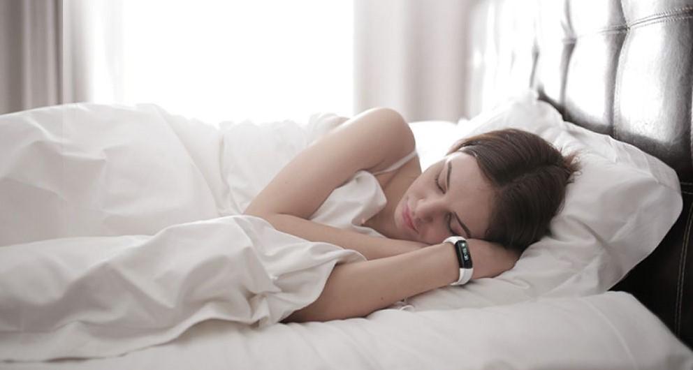 bracelet-connecté-analyse-sommeil